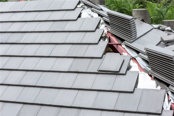 What Homeowners Need to Know About Roofing Jobsite Safety