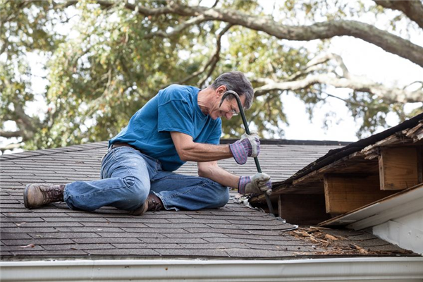 Why Communication Is Important During a Roofing Repair